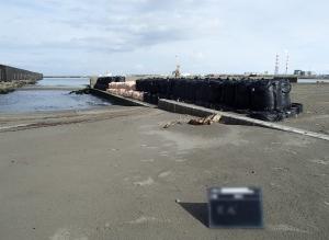 新潟市中央区 新潟港(西港区)廃油処理場護岸修繕工事
